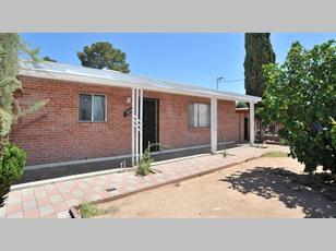 1444 N Woodland Ave                                                                                 ,Tucson                                                                                              ,AZ-85712