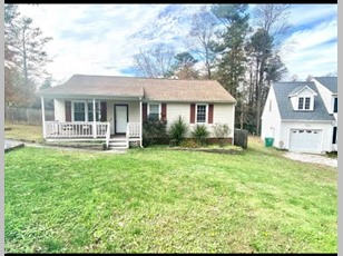 122 Lakeside Dr                                                                                     ,Colonial Heights                                                                                    ,VA-