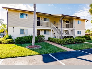 5704 FOXLAKE DR #3                                                                                  ,North Fort Myers                                                                                    ,FL-33917